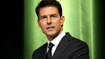 Tom Cruise at an award show
